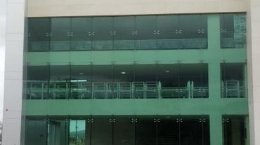 instalacion_aluminio_cristal_templado-construccion_GRUPO_MAUCH01